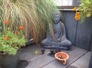 Buddha.statue.Uptop. garden - 1