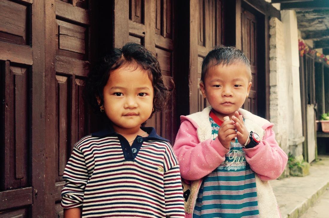nepal-sept-2016-bandipur-two-children-1